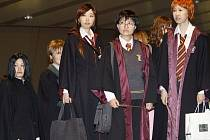 Japonské fanynky Harryho Pottera se už dočkaly, ty evropské premiéra teprve čeká.