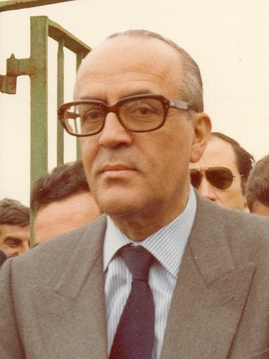 Španělský politik Leopoldo Calvo Sotelo, jenž v únoru 1981 žádal parlament o vyslovení důvěry své vládě. Hlasování ale přerušily výstřely