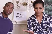 Manželka prezidenta Spojených států Michelle Obamová v rapovém klipu vyzývá mladé Američany, aby po střední škole pokračovali ve studiích a zapsali se na univerzitu.