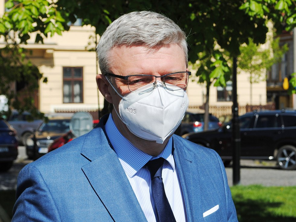 Ministr Karel Havlíček (za ANO 2011) se přijel podívat do Slaného.