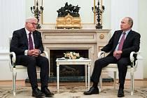 Německý prezident Frank-Walter Steinmeier a ruský prezident Vladimír Putin.