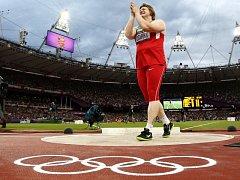 Ostapčuková si sice v olympijském kruhu zatleskala, teď ji ale kvůli dopingu zůstanou oči pro pláč.