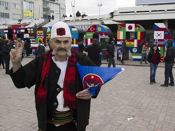 Kosovo slavilo pět let nezávislosti na Srbsku.