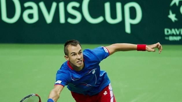 Lukáš Rosol v utkání proti Horaciu Zeballosovi z Argentiny.