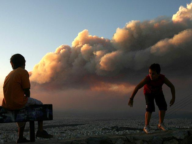 Požáry neřádí jen v Turecku, ale i v Řecku.