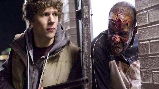 PŮLNOČNÍ DELIKATESY. V sekci Nesnesitelná hladovost nebytí uvidíme ve  filmu Zombieland i hvězdu The Social Network Jesse Eisenberga (vlevo).