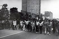 Pochod demonstrantů od Kremlu k Bílému domu, 19. srpna 1991