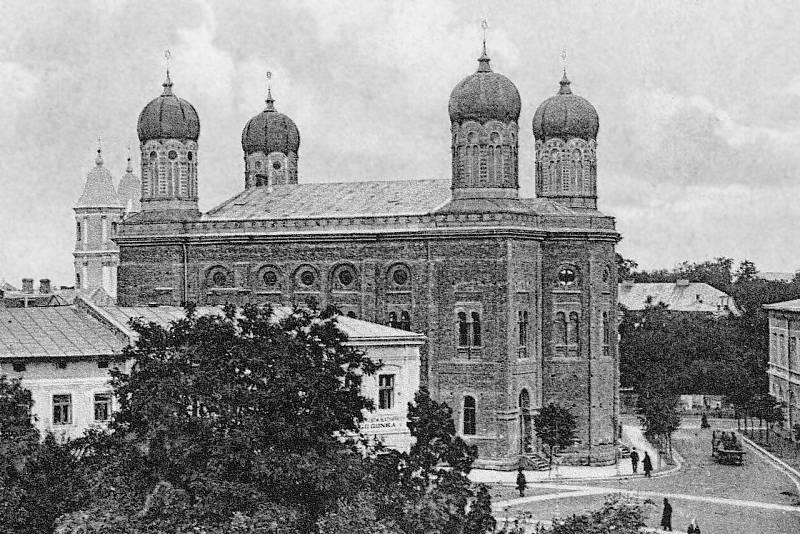 Židovská synagoga ve Stanislavově (polsky Stanislawówě) v době před druhou světovou válkou