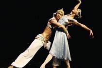 HRABĚNKA A ŠEJK. V baletu Janáčkova divadla se jako Raymonda představí Jana Přibylová a v roli Abderachmana Karel Audy.
