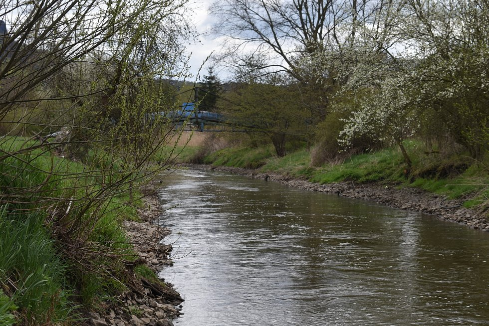 Koryto řeky v Želenicích.