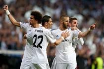 Fotbalisté Realu Madrid se radují z gólu proti Bayernu Mnichov.