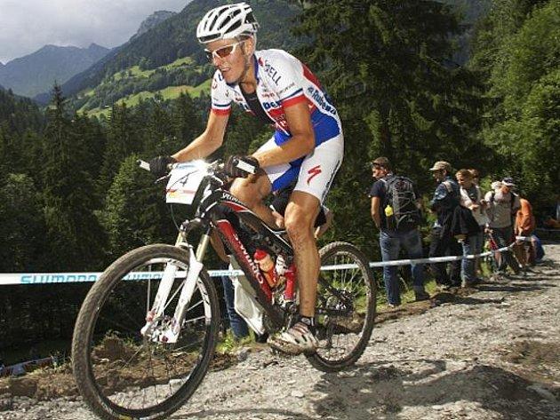 Jaroslav Kulhavý vyhrál v sobotu 28. srpna 2010 závěrečný závod Světového poháru v cross country na horských kolech v americkém Windhamu. Dokázal to jako první Čech v historii. V konečném pořadí SP je Kulhavý třetí.