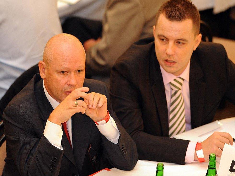 Nový předseda ČMFS Ivan Hašek (vlevo) a člen jeho týmu Jindřich Rajchl.