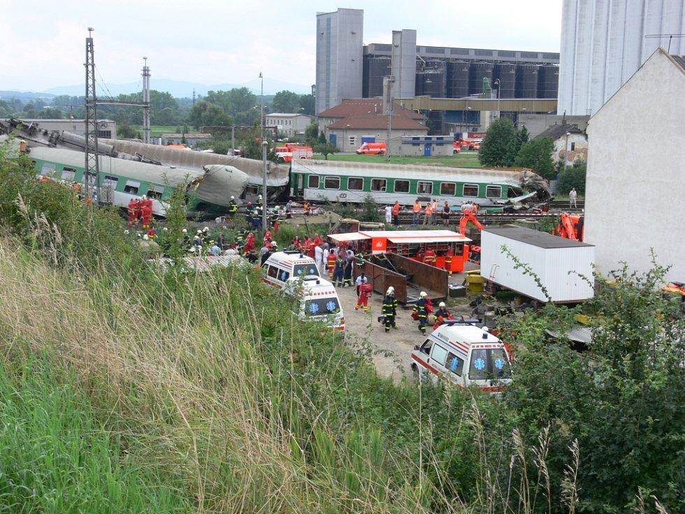 Tragická nehoda si vyžádala nejméně 6 obětí.