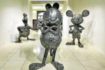 Znovu se mohou návštěvníci vydat například i do pražské Galerie ocelových figurín, které nabízí přes stovku ocelových exponátů se super- hrdiny ze světa komiksů, sci-fi a pohádek.