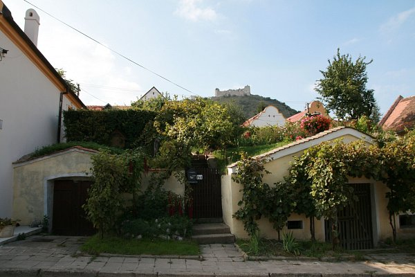 Vinařské sklepní domy ze 17.století