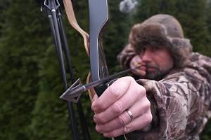 Lov lukem je legální v desítkách států Evropy i ve světě.