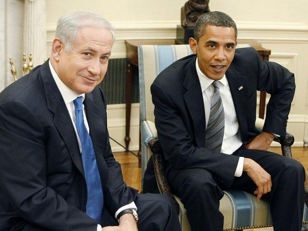 Bejnamin Netanjahu a Barack Obama v Oválné pracovně Bílého domu.