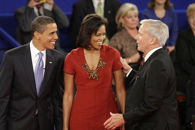 Tom Brokaw s manželi Obamovými