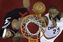 LeBron James (Cleveland Cavaliers) a James Johnson.