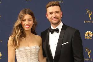 S manželem,  popovou ikonou a hercem Justinem Timberlakem, má syna Silase.