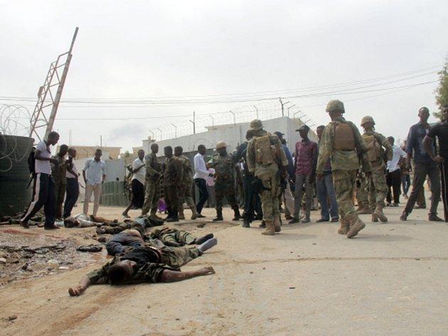 Americké jednotky zasáhly proti islamistickým milicím Šabáb v Somálsku.
