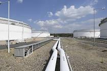 Tankoviště ropy v Nelahozevsi - Centrální tankoviště ropy v Nelahozevsi (na snímku z 2. května 2019)