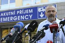 Ošetřující lékař prezidenta Miloše Zemana Miroslav Zavoral poskytl 10. října 2021 komentář médiím ke zdravotnímu stavu hlavy státu.
