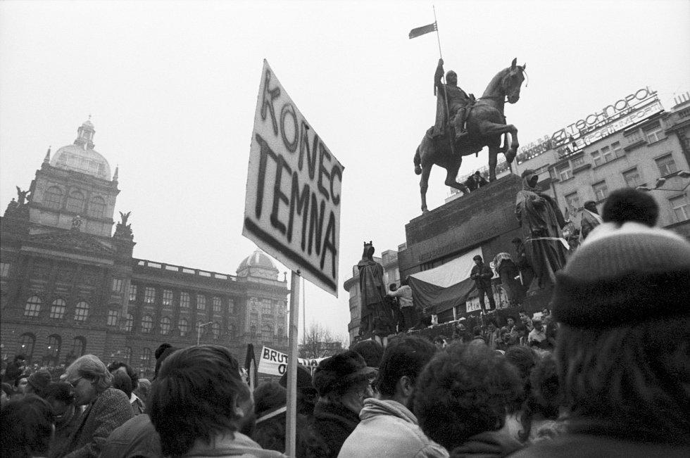 Sametová revoluce - Jak to vypuklo. Václavské náměstí 20. listopadu 1989