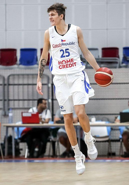 Český basketbalista Vít Krejčí