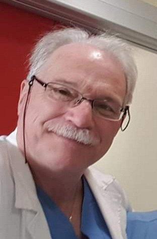 Doktor Marco Cernuschi, specialista na oddělení pohotovosti nemocnice Ospedale di Zingonia vBergamu.