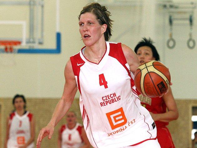 Z přípravného utkání s Čínou na snímku Jana Veselá.