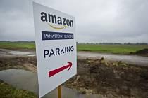 Položení základního kamene stavby distribučního centra společnosti Amazon proběhlo 12. září v Dobrovízi.