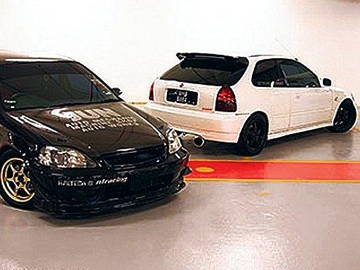 Tmavým vozům se říká černá rakev. Něco na tom bude. Australané zjistili, že jsou nejčastěji zapleteny do silničních nehod. U viditelnějších bílých aut je riziko srážky nejnižší.