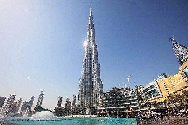 Burdž Chalífa ve Spojených arabských emirátech je prozatím nejvyšší budou světa.