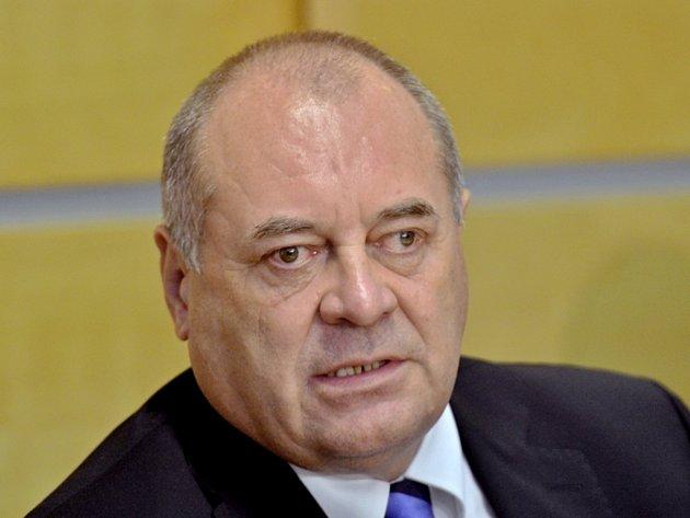 Ministr práce a sociálních věcí František Koníček.