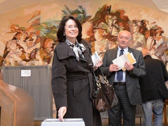 Miroslava Němcová, volební lídr ODS, odevzdala 25.října vPraze svůj hlas ve volbách do Poslanecké sněmovny.