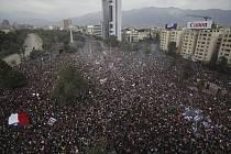 Protivládní protest v Santiagu de Chile