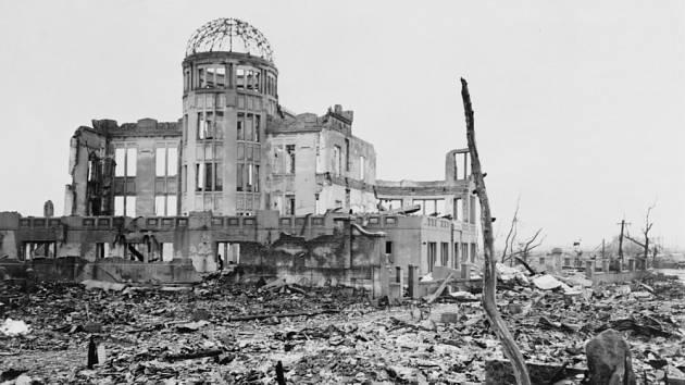 Děsivé dědictví japonské Hirošimy. Pláže v okolí tvoří prach z jaderné exploze