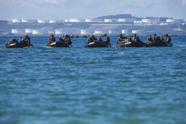 Japonské úřady vyšetřují případ více než desítky dřevěných rybářských člunů s tlejícími lidskými těly, které byly v posledních týdnech objeveny u břehů Japonska.