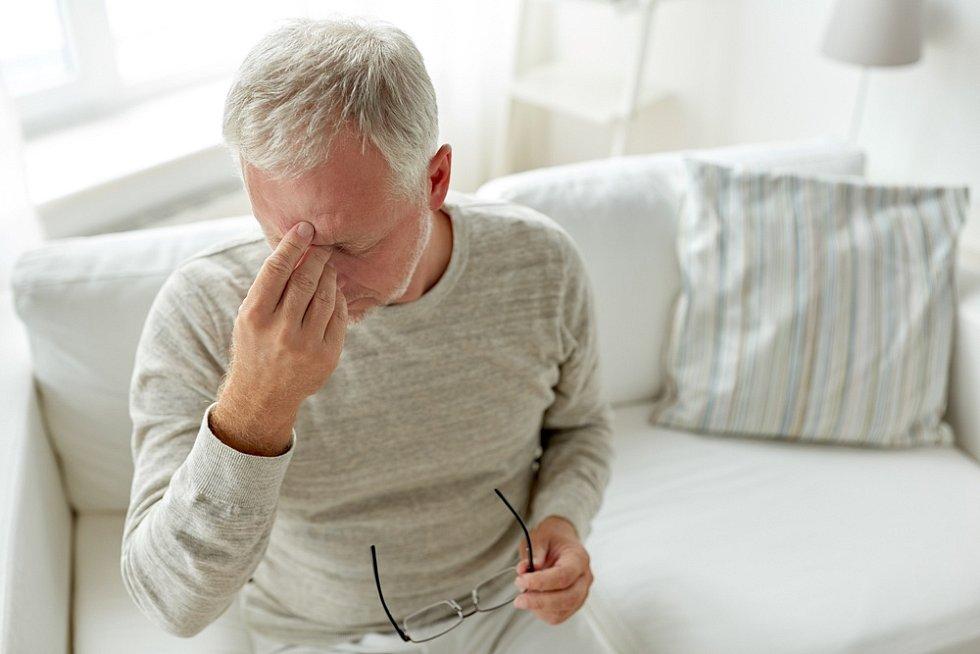 Závažnější případy mohou vést k zápalu plic, selhání ledvin a smrti. Nejvíce ohroženou skupinou jsou přitom senioři.