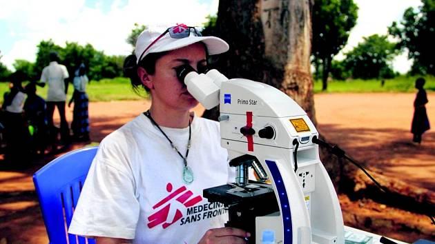 DRSNÉ PODMÍNKY. Diagnostikovat opomíjené choroby je kvůli neexistenci rychlých testů v chudých státech náročné.
