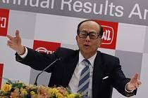 jbohatší Asiat Li Ka-shing jedná o koupi britského telekomunikačního operátora O2.