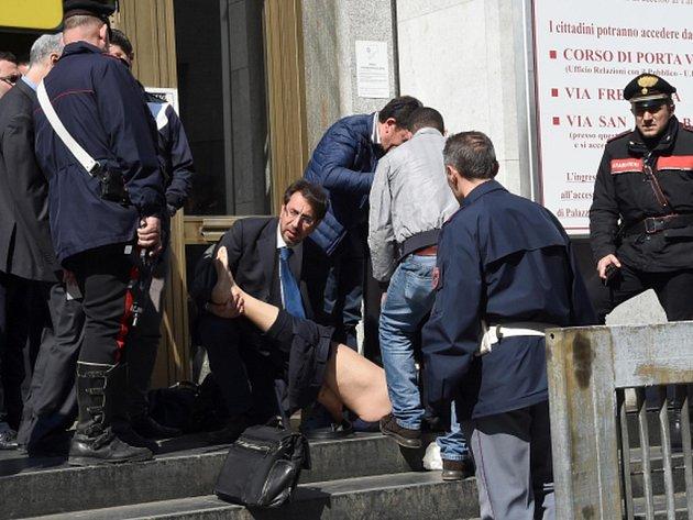 Při dnešní střelbě u soudu v Miláně přišli o život čtyři lidé. Jednou z obětí se stal soudce Fernando Ciampi, druhou právník Alberto Claris Appiani.