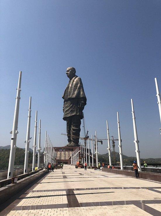 Nejvyšší socha světa v Indii představuje bojovníka za nezávislost Sardára Patéla