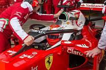 Kimi Räikkönen s ochranou hlavy