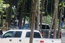 Šest lidí přišlo v neděli o život při zřícení dvoumotorového letounu u letiště města Tuscaloosa v americkém státu Alabama.
