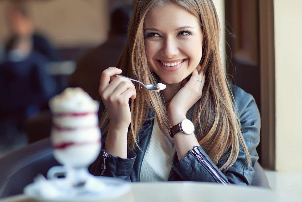 Vyhýbat se cukru rozhodně není od věci, nic jako zdravé slazení neexistuje. A některé alternativní strategie jsou dokonce vyloženě škodlivé.