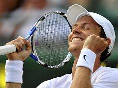 Tomáš Berdych se probojoval potřetí v kariéře na Wimbledonu mezi nejlepší šestnáctku.