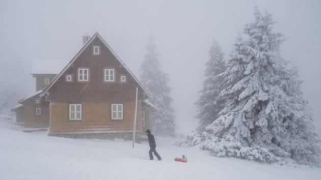 Zasněžená krajina na Šerlichu